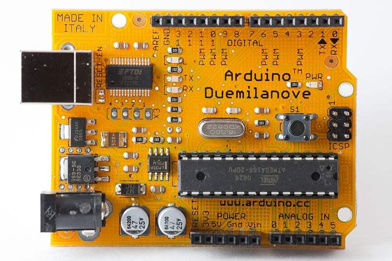 800px-Limited-SURPRISEedition_orange_Arduino_Duemilanove